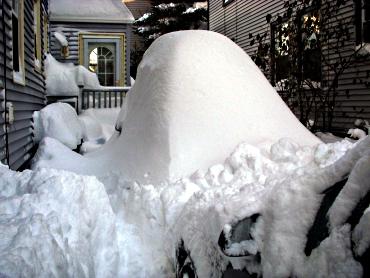 SnowCoveredCar1