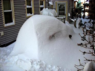 SnowCoveredCar2