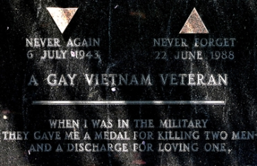 Sgt. Leonard_Matlovich gravestone)