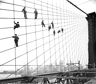 Paintersbrooklynbridge19141017