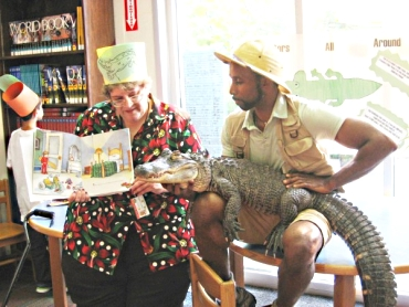 Wild-Librarian-Reads-to-Gator