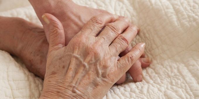 wrinnkled hands