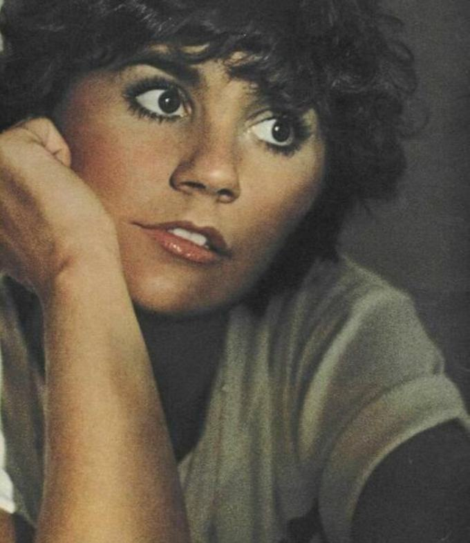 Elder music linda ronstadt my selection time goes by