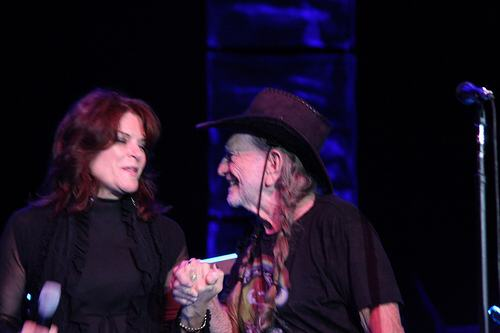 Willie Nelson & Rosanne Cash