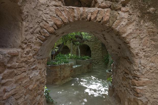 1forestiere_underground_gardens_at_5021_west_shaw_avenue_fresno_california_lccn2013634995