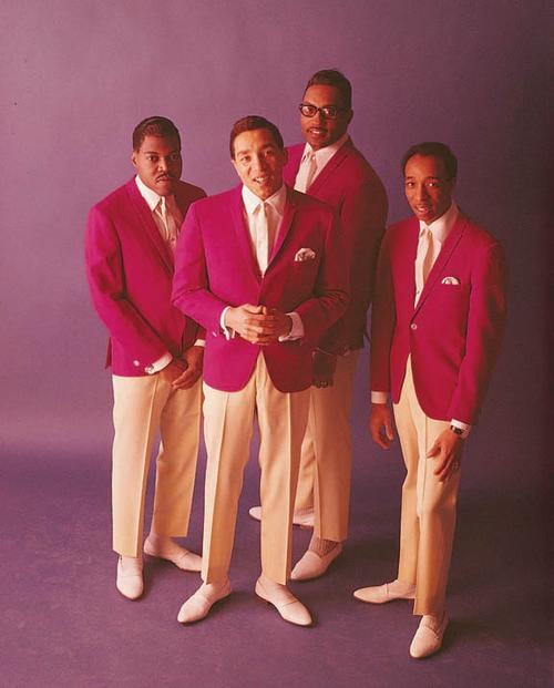 Smokey & ;the Miracles
