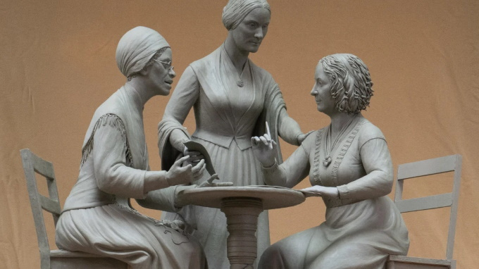 Womens_rights_pioneers_monument-4